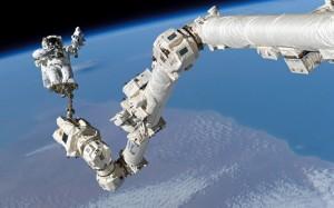 nasa-spacewalk-8_2379072k